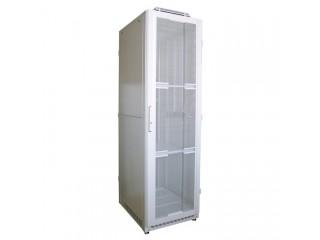 Шкаф напольный с перфорированной дверцей